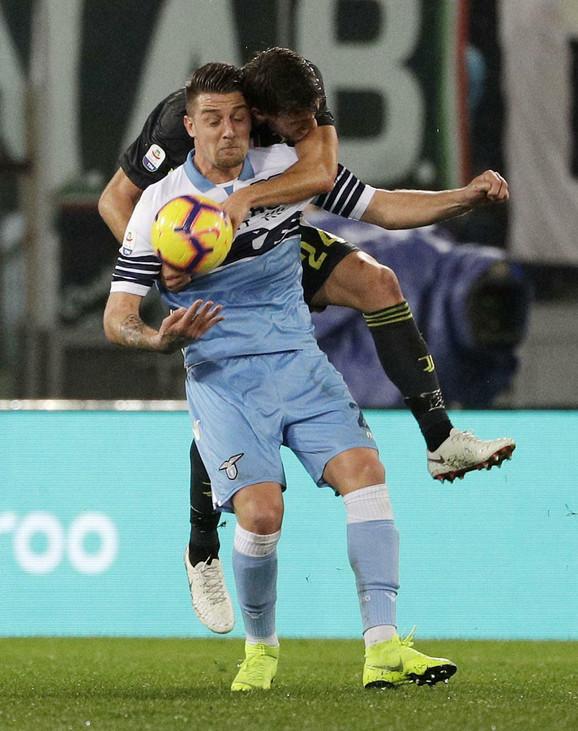 Sergej Milinković Savić je vodio veliku borbu sa igračima Juventusa