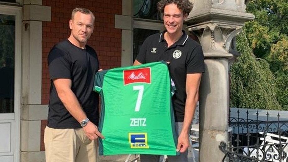 Ma 40 lat, zagrał 166 razy w reprezentacji Niemiec, teraz podpisał umowę z klubem z Bundesligi