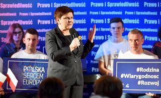 Szydło pyta polityków KE: Czy będzie próba wprowadzania programów dot. gender, LGBT?