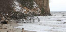 Makabryczne odkrycie na plaży w Gdyni. Spacerowicze natknęli się na zwłoki