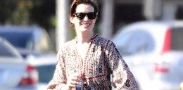 Anne Hathaway włożyła fatalną sukienkę