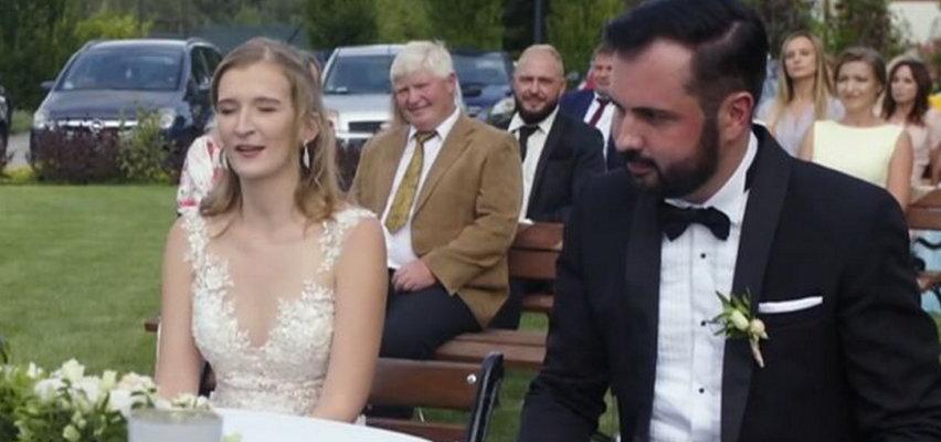 """""""Ślub od pierwszego wejrzenia"""". Karol pokazał jak się relaksuje. Chwilę później swój wpis zamieściła Iga"""