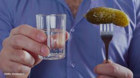 Zagrycha po polsku, czyli czym najczęściej zagryzamy wódkę?