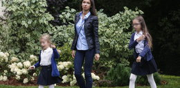 Kaczyńska i Dubieniecki przyjechali osobno do szkoły dzieci