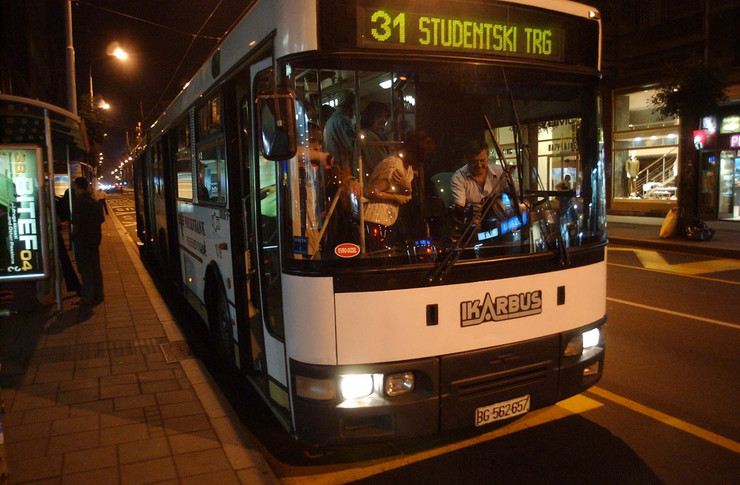 150611_nocni-autobus-foto-v-mitic