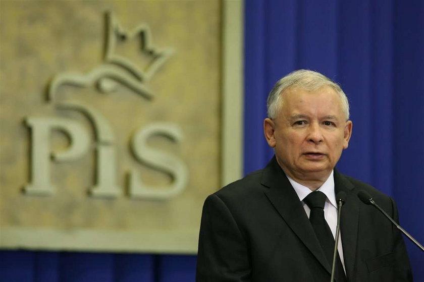 Wałęsa: Lądować w Smoleńsku kazał... Jarosław!