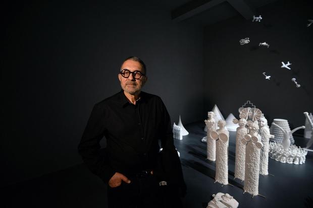 Grisha Bruskin i jego prace na 57. Biennale
