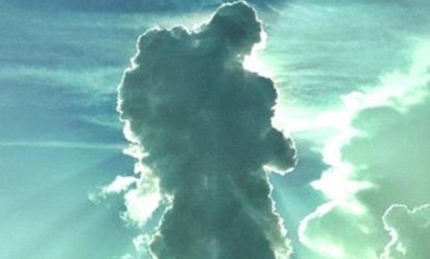 Na niebie ukazał się znak! Wierzący w Boga wieszczą apokalipsę!