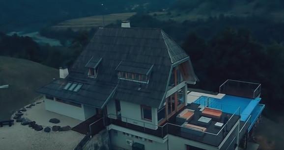 Drinska kuća