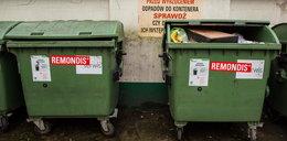 Kubły na śmieci zostają