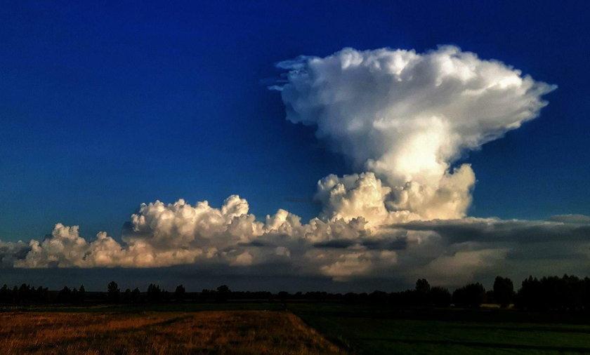 Chmura w kształcie grzyba w okolicach Elbląga