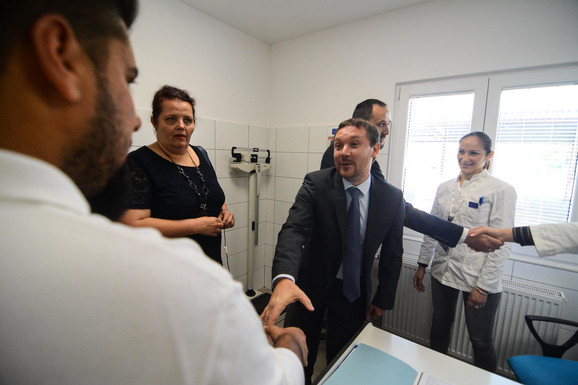 Nikola Bizel u poseti Zavodu za javno zdravlje u Vranju, kojem je donirana vredna oprema