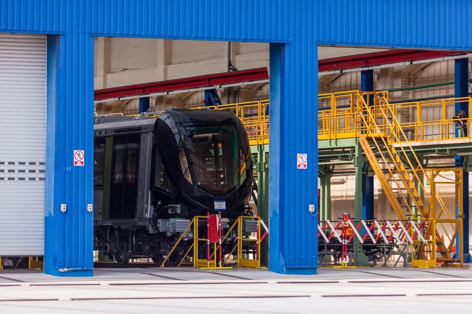 Zakłady Alstom Konstal działają w miejscu dawnego wydziału produkcyjnego chorzowskiej Huty Królewskiej, której historia sięga połowy XIX wieku. Po II wojnie światowej produkowano tam tramwaje i wagony. Alstom Konstal powstał w 1997 roku.