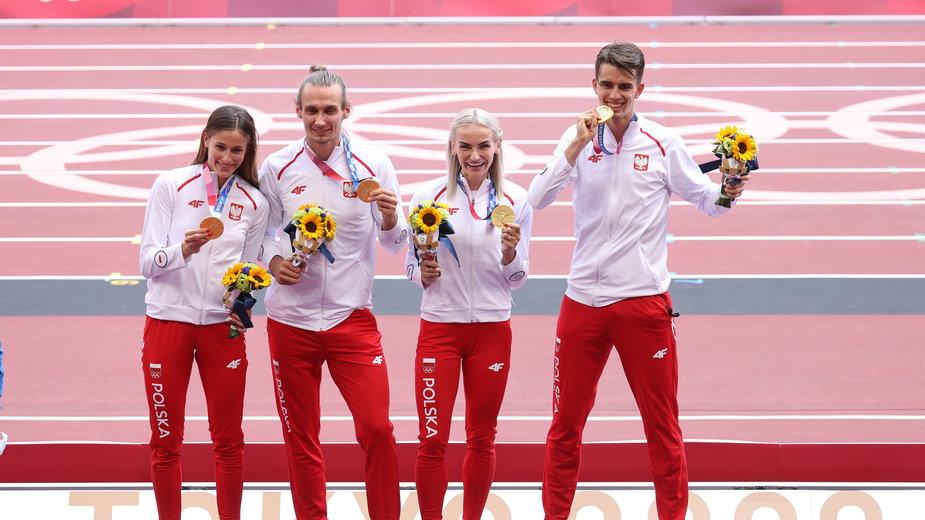 Od lewej: Natalia Kaczmarek, Karol Zalewski, Justyna Święty-Ersetic i Kajetan Duszyński