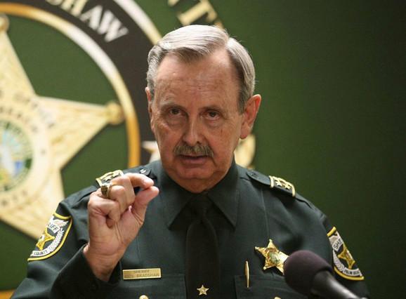Moraće dosta toga da objasni - šerif Rik Bredšo