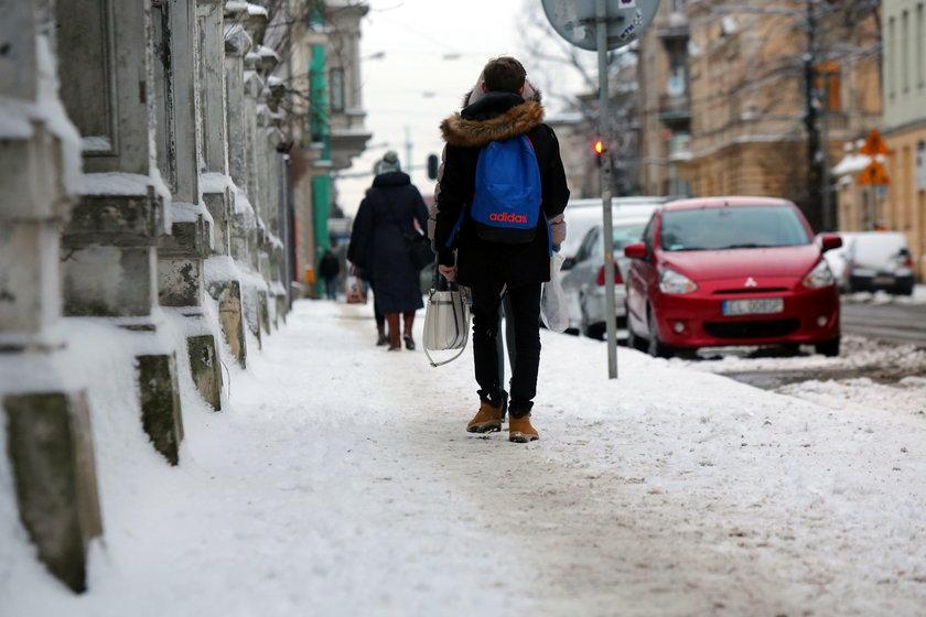 Zima w Łodzi.  Ulica Gdańska