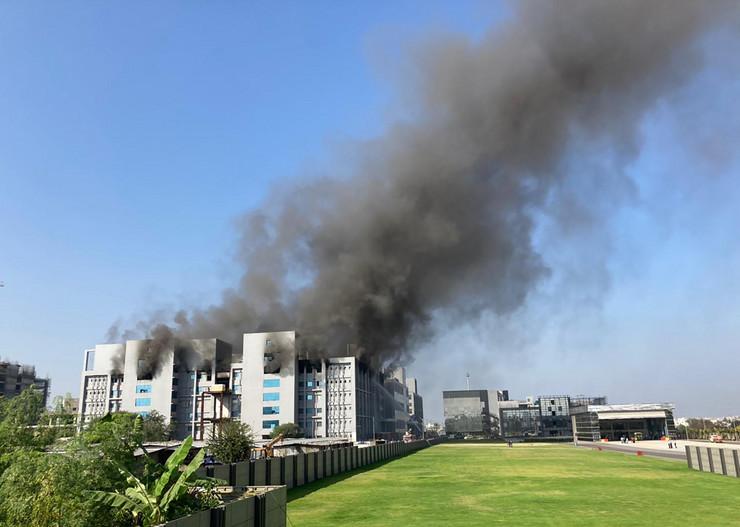 Indija, požar, fabrika vakcina