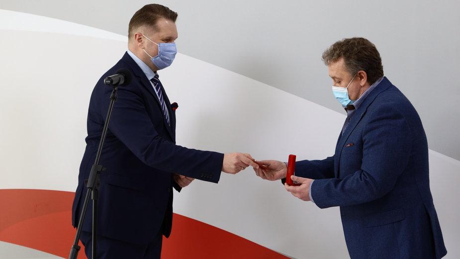 Minister Przemysław Czarnek i dyrektor Dariusz Jakóbik