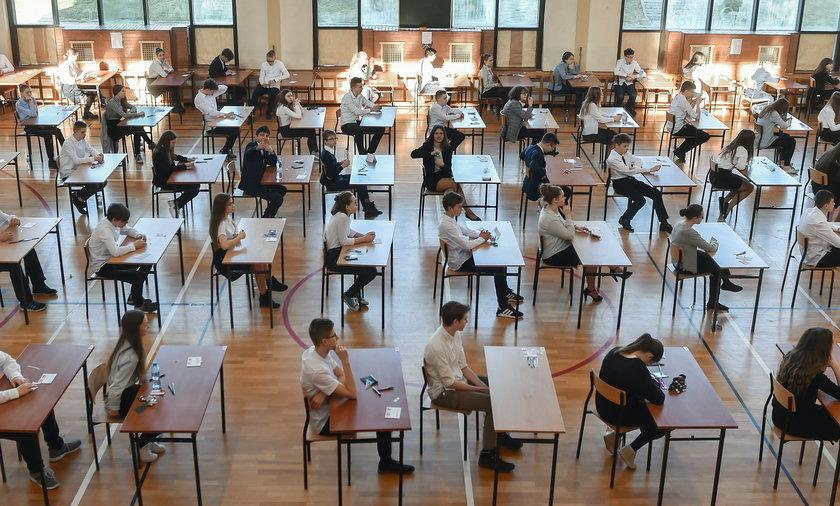 Uczniowie ósmych klas napisali test z matematyki.