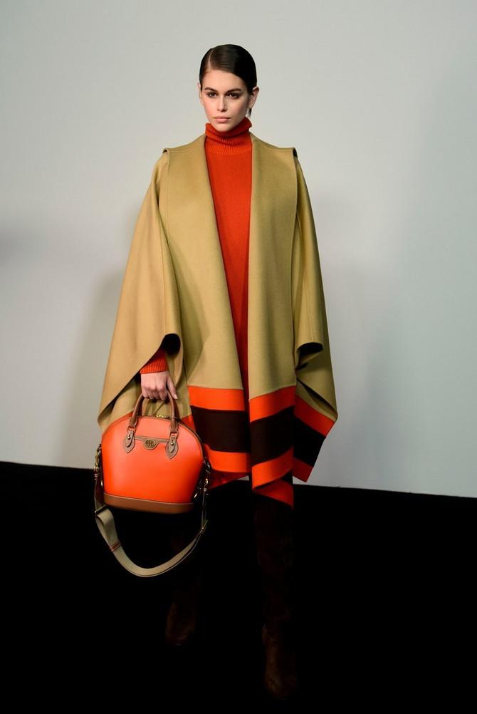 Kaja u bekstejdžu Njujorške nedelje mode
