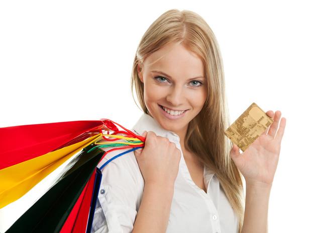 ARC podaje, że prawie połowa polskich klientów posiada w portfelu kartę rabatową, a aż 15 proc. ma więcej niż jeden tego rodzaju plastik.