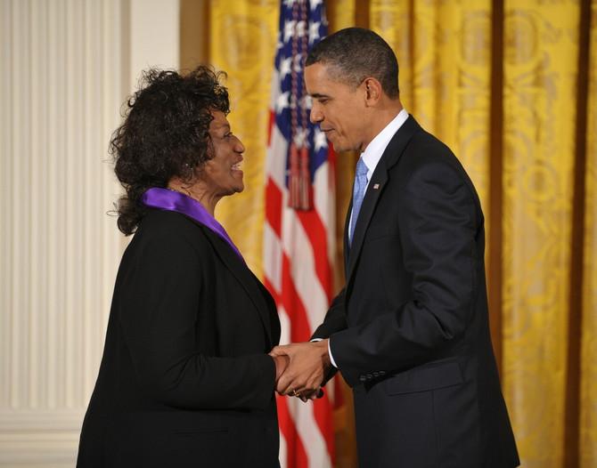 Barak Obama joj je 2009. dodelio Predsedničku medalju slobode