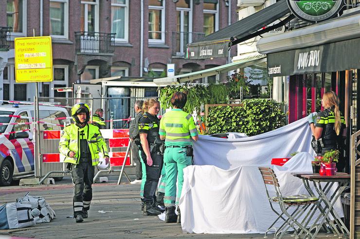 Uviđaj nakon ubistva i pokušaja ubistva u Amsterdamu