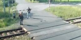 Policjant uratował mu życie. Po chwili nadjechał pociąg