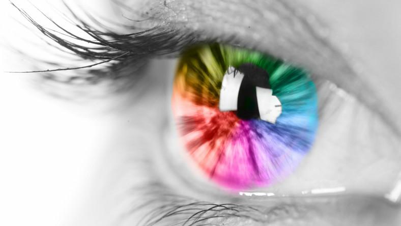 Oko w kolorach tęczy