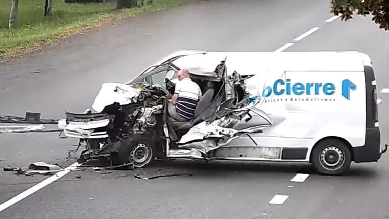 Wypadek na Ukrainie – kierowca może mowić o niebywałym szczęściu