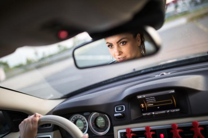 Žene za volanom zaostaju za muškarcima, po statistici