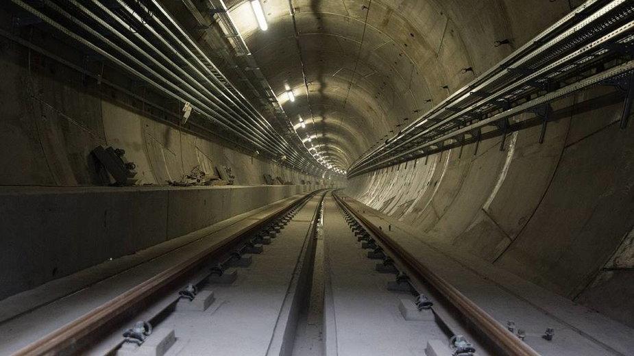 Trwa spór o budowę III linii metra w Warszawie
