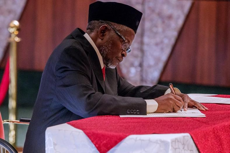 Tanko Mohammed acting CJN1   The Acting CJN, Mohammed swears in 250 chairmen, members of Election Petition Tribunals 6h ktkpTURBXy84YzA5OTYxMjliZmM0ZmVlOTA1YTUyMGU5NmMyZDk0Yi5qcGeSlQLNAxQAwsOVAgDNAvjCww