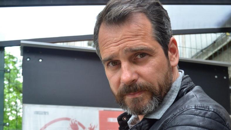 Paweł Deląg zapuścił brodę i zmienił stylistę...
