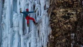 Spektakularne lodospady w Rudawce Rymanowskiej. Tłumy turystów odwiedzają to miejsce
