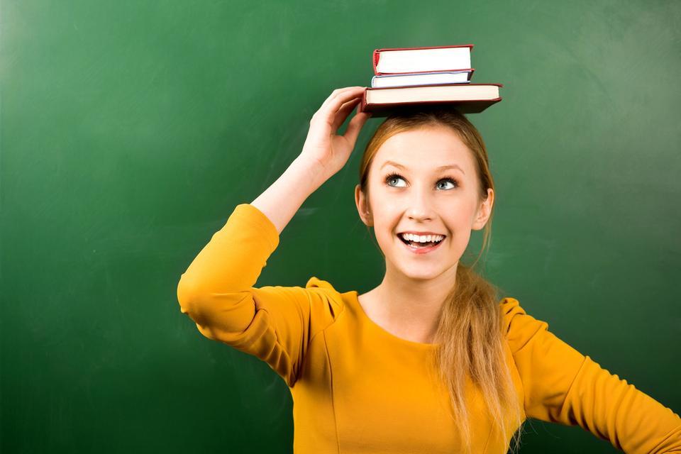 Ćwiczenie 5. - spacer z książką trzymaną na głowie