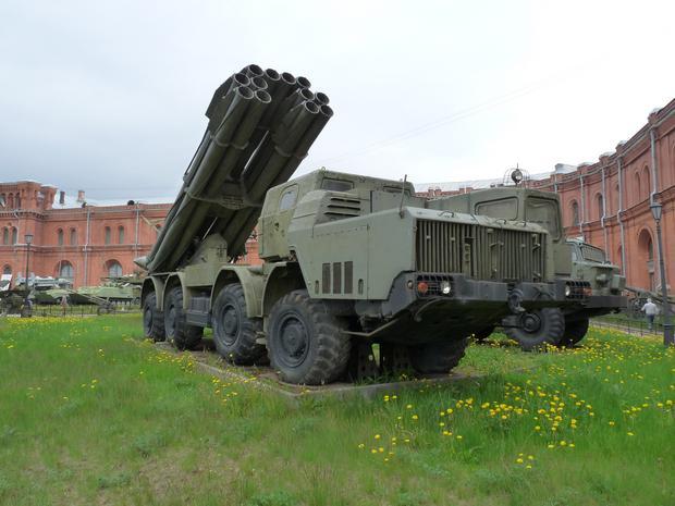 BM-30 Smiercz - w Muzeum artylerii, wojsk inżynieryjnych i łączności w Petersburgu