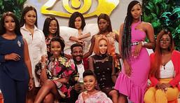 Ebuka with female ex-housemates of BBNaija Double Wahala [Twitter/EbukaobiUchendu]