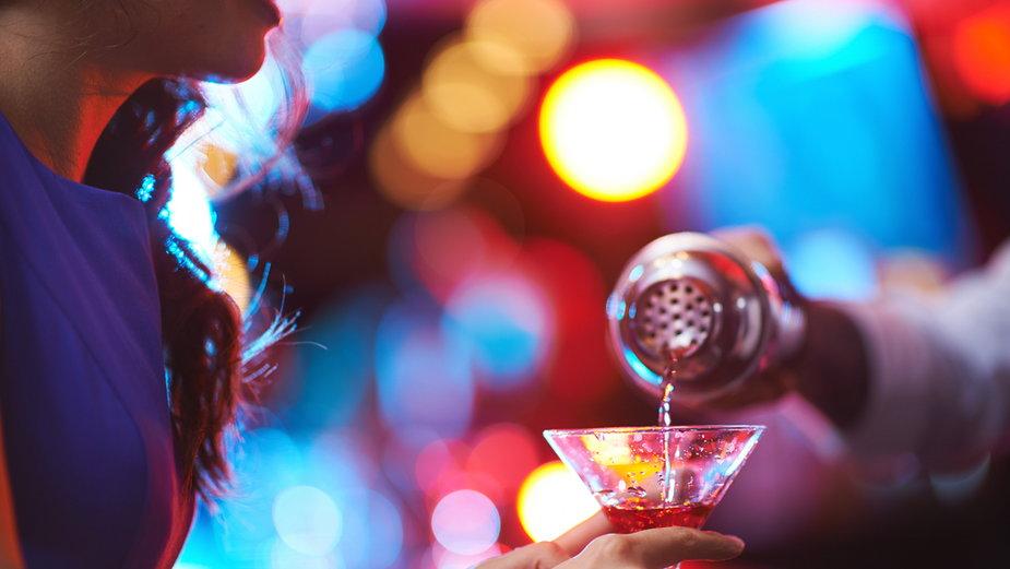 Klientom klubów go-go do drinków dodawano środki odurzające i wyłudzano pieniądze