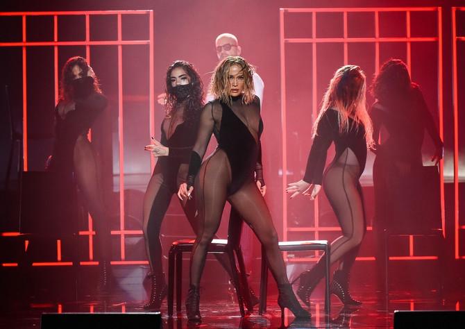 Džej Lo je briljirala u ovom seksi performansu