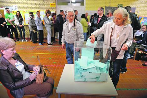Glavna dilema je da li će biti raspisani i gradski i republiički izbori