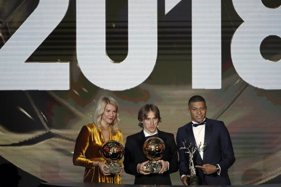 Ada Hegerberg, Lionel Mesi i Kilijan Mbape na dodeli Zlatne lopte za 2018. godinu