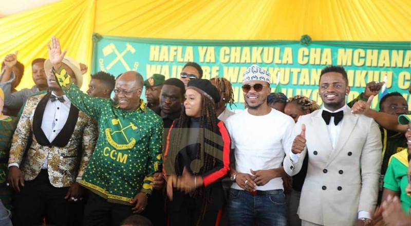 President Magufuli brings Diamond, Alikiba and Harmonize together (Photos)