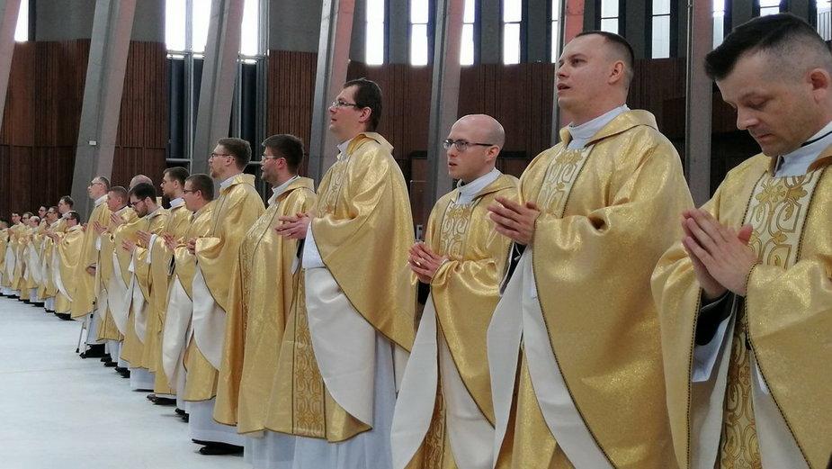 26 nowych księży w archidiecezji warszawskiej. To najliczniejszy rocznik od 30 lat!