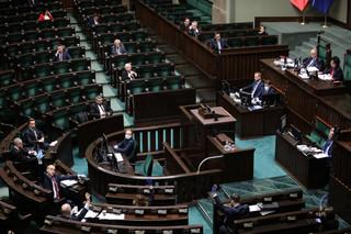 Tarcza antykryzysowa. 77 poprawek, sejmowa komisja poparła tylko kilka