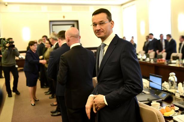 Morawiecki: Do końca roku rząd przedstawi 2 pakiety ustaw antybiurokratycznych