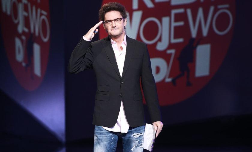 """Kuba Wojewódzki ogłasza koniec swojego talk-show w TVN? """"Dziękuję wszystkim za obecność przez ostatnie 20 lat""""."""