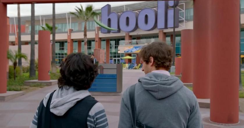 """Firma Hooli z serialu """"Silicon Valley"""" udawała dobrego pracodawcę, ale nikt tam nie dbał o pracowników"""