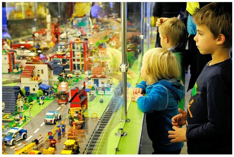 Jedna z makiet z klocków LEGO