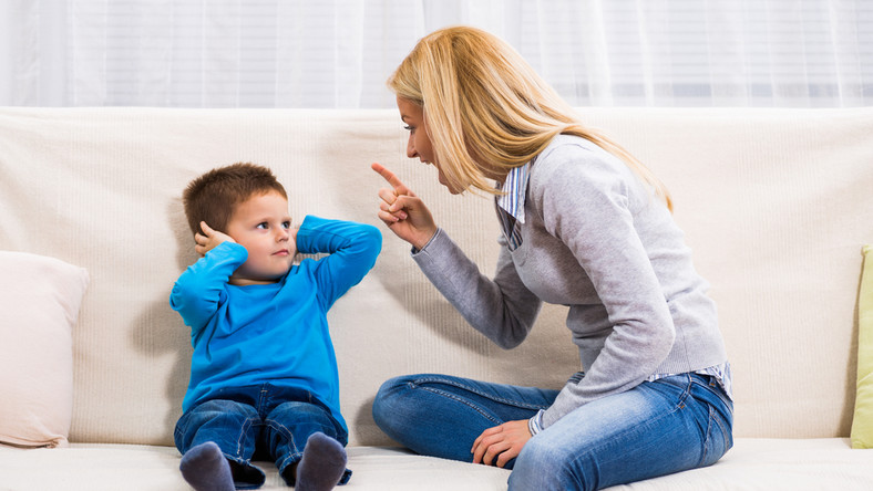 Dziecko boi się przemocy słownej tak samo jak fizycznej.